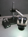 Leica Stereo Zoom 4 Microscope W/Light & Boom Stand_ID 52270